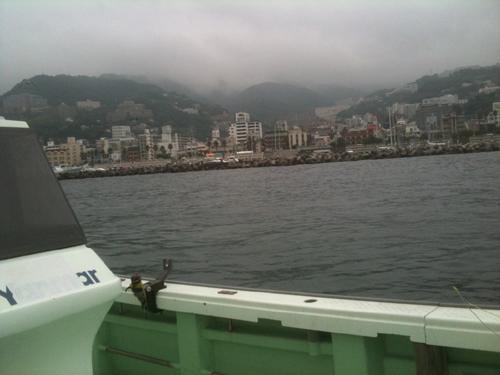 穏やかな熱海港