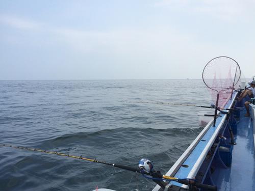 福浦港から出船